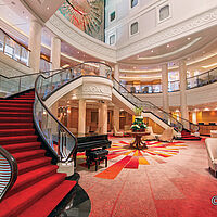 Queen Mary 2 Atrium