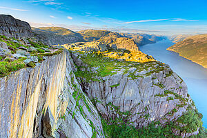 Sommerliche Fjordwelt erleben mit AIDAperla