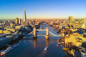 Big Ben, Tower Bridge und die Grachten von Amsterdam mit AIDAluna