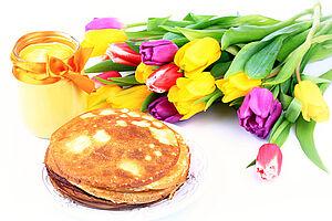 Pfannkuchen, Käse und Tulpen in Holland